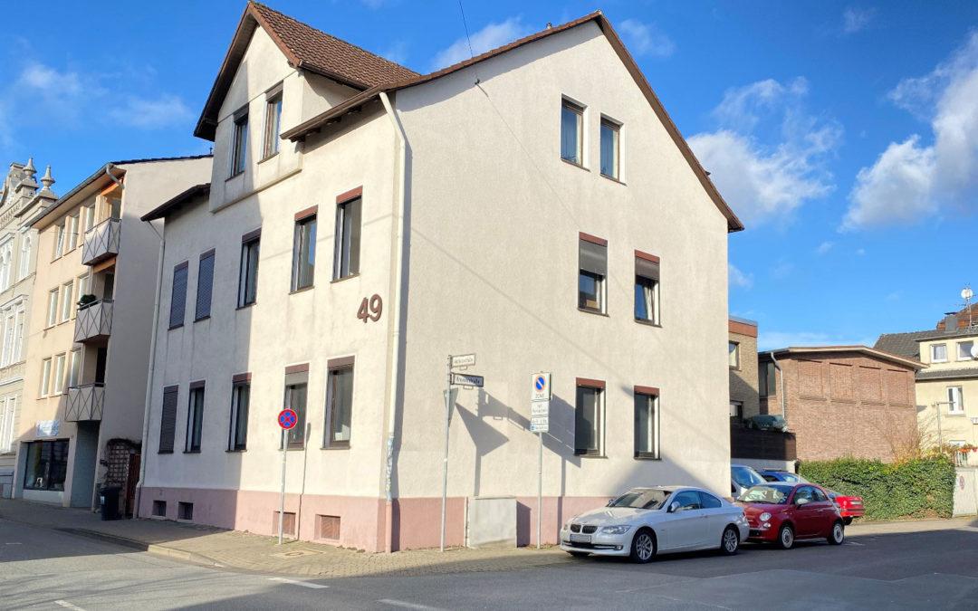 Helle modernisierte 2 ZKB mit Balkon in Bielefeld